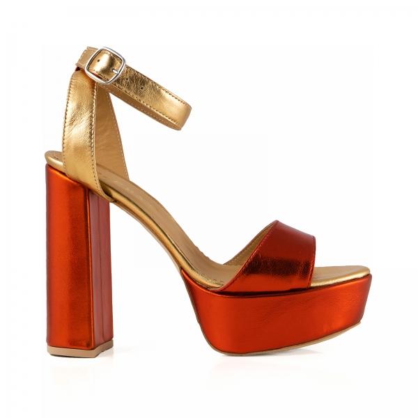 Sandale din piele laminata portocaliu intens si auriu, cu toc gros patrat si platforma 0