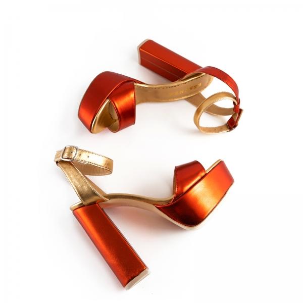 Sandale din piele laminata portocaliu intens si auriu, cu toc gros patrat si platforma 2