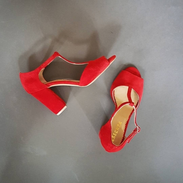 Sandale din piele intoarsa rosie,cu toc gros 0