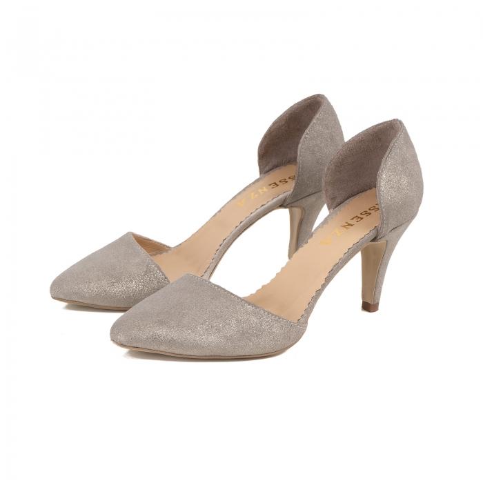Pantofi stiletto decupati interior/exterior, realizati din piele intoarsa crem glitter 2