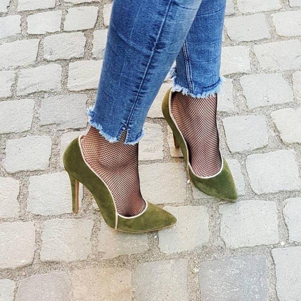 Pantofi stiletto din piele intoarsa kaki cu paspol beige 0