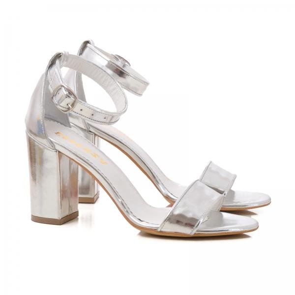 Sandale cu toc gros, din piele argintie 1