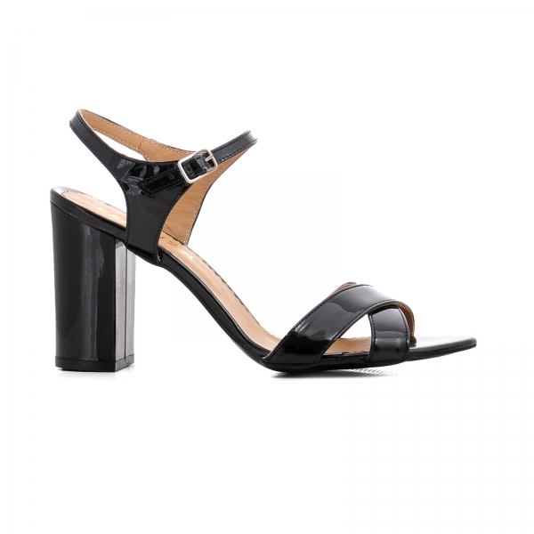 Sandale cu toc gros, din piele lacuita neagra 0
