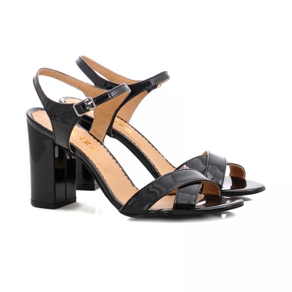 Sandale cu toc gros, din piele lacuita neagra 1