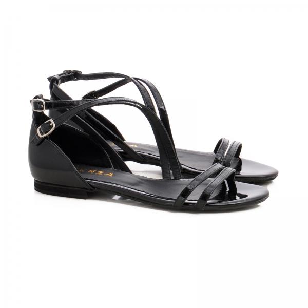 Sandale cu talpa joasa, din piele lacuita neagra 1